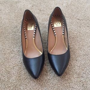 Dolce vita black pointed toe pumps (2 inch heel)
